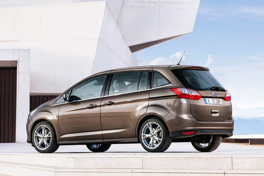 /UserFiles/Image/news/2014/Paris_2014/Ford/C_Max_5_big.jpg