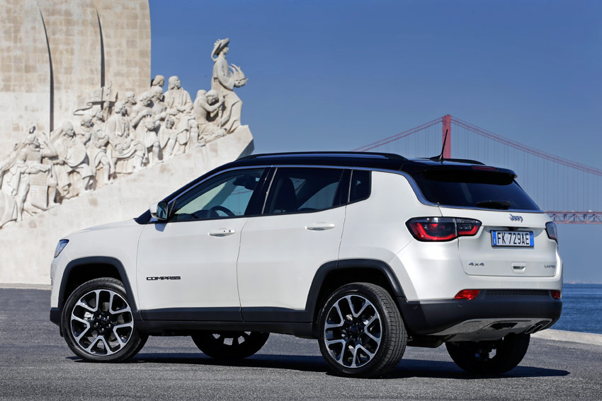 UserFiles/Image/tests/2017_tests/Jeep_Compass_12_17/Compass_3_big.jpg