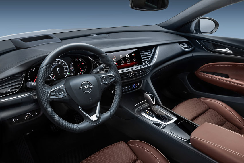 UserFiles/Image/tests/2018_tests/Opel_Insignia_3_18/Insignia_2_big.jpg