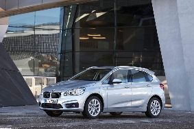 BMW 225 Xe ACT